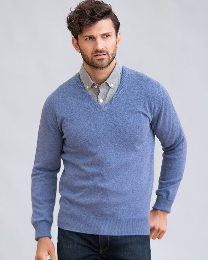 William Lockie Gordon Vee Neck Sweater in Geelong
