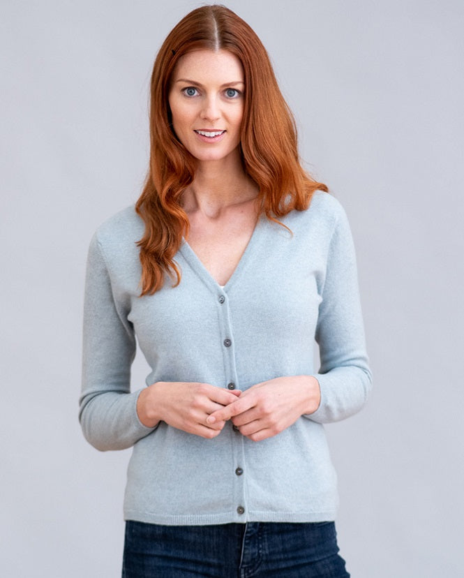 William Lockie Charlotte Vee Cardigan in Cashmere