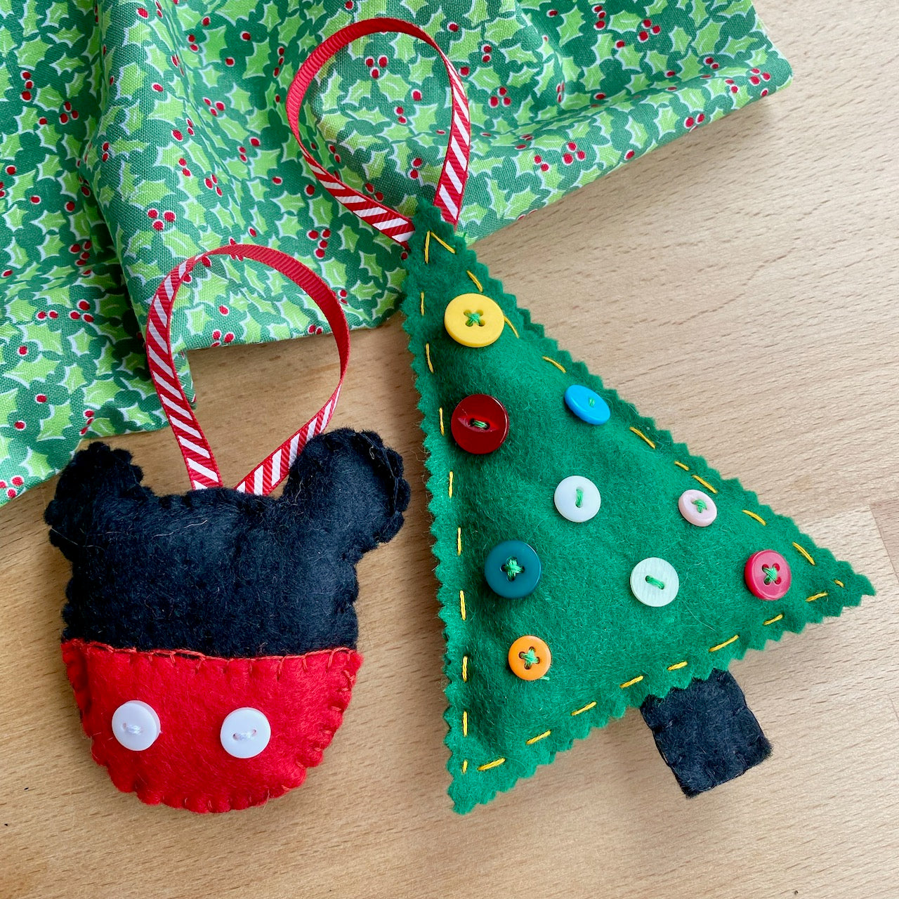 Easy to Make: Felted Christmas Tree Decorations