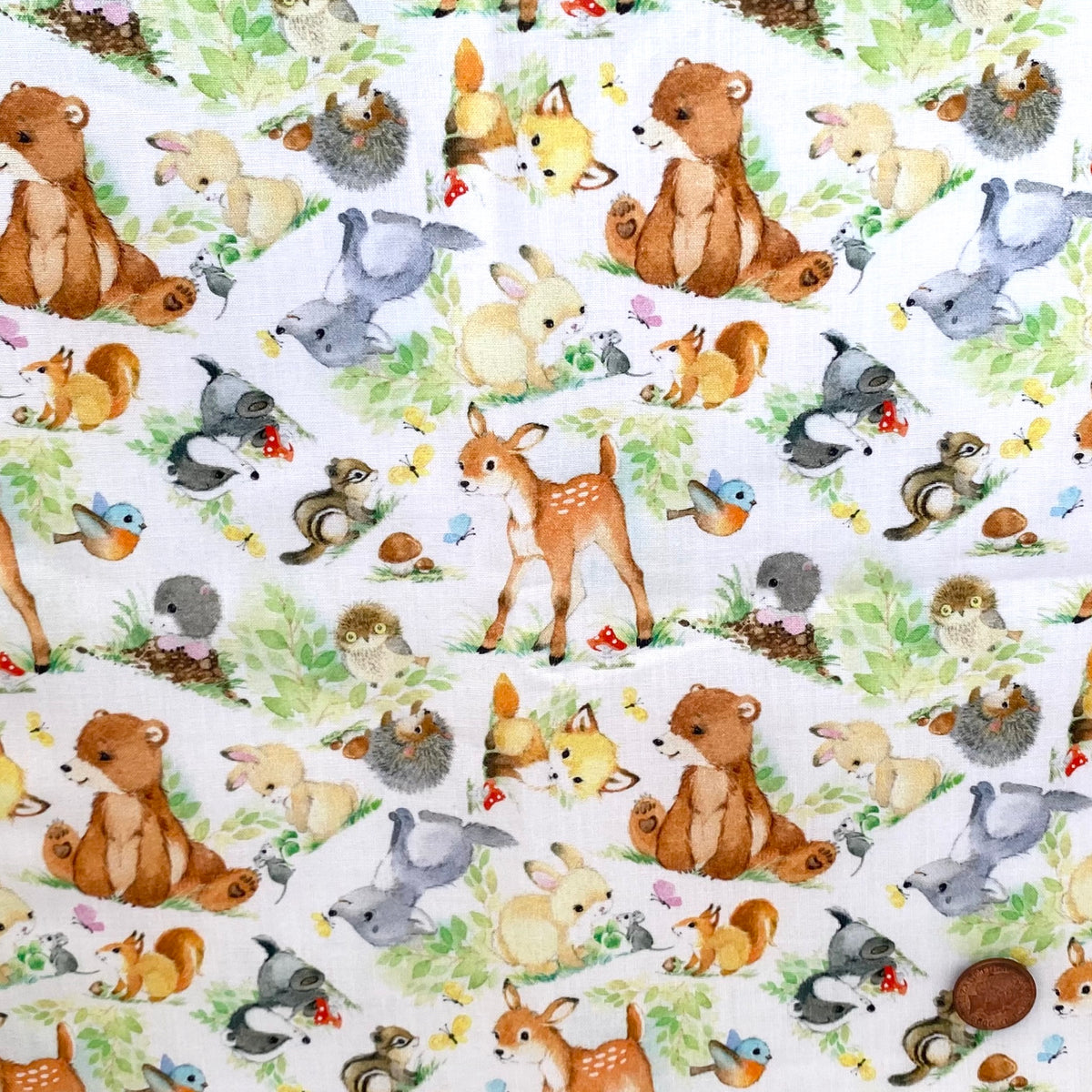 Baby woodland animals 100% cotton  fabric, sold per 1/2 metre, 137cm wide ( 58 inches )