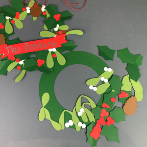 Make your own DIY Christmas wreath craft kit with the ready made wreath