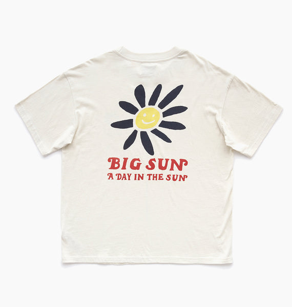 DAY IN THE SUN TEE - DIRTY WHITE