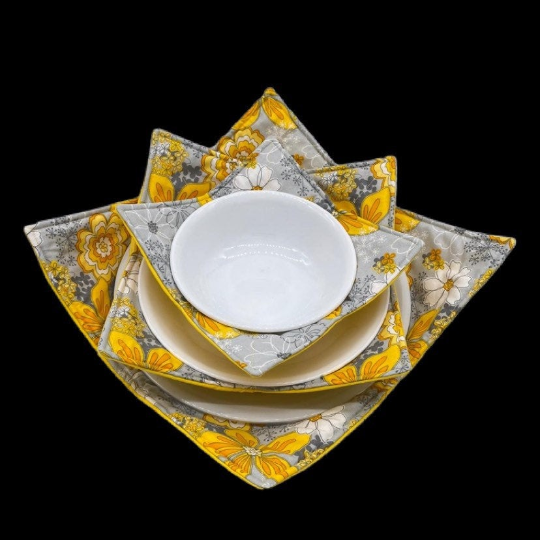 Microwave Bowl Cozy - Flower Print, Yellow