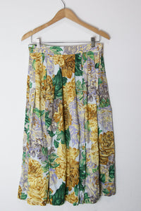 [M] Golden Chrysanthemum Floral Skirt