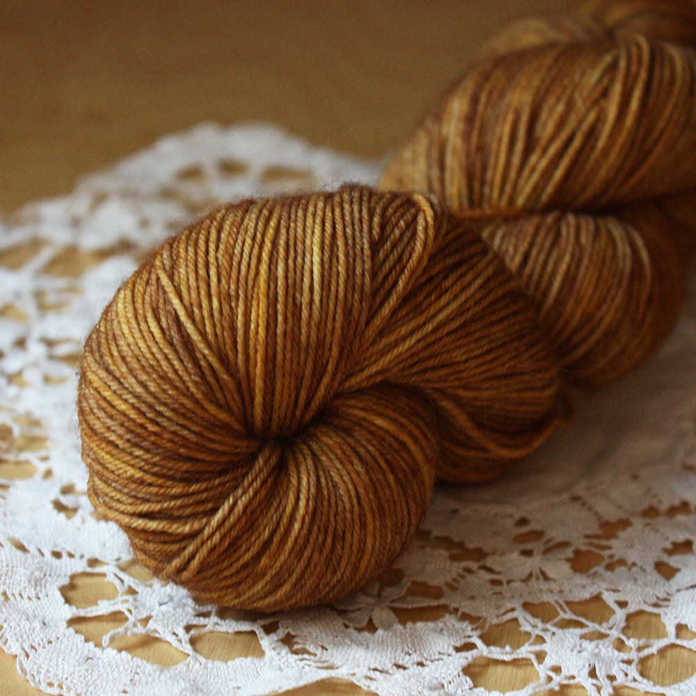 Colonie Socque / Fingering Weight / Antique Gold Superwash American Merino Wool Nylon Hand Dyed Sock Yarn / Ready to Ship