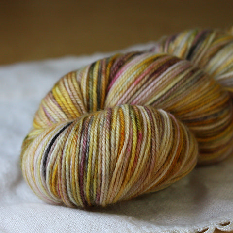 Alluree / Fingering Weight / Aria Merino Wool Cashmere Nylon Hand Dyed Yarn / READY TO SHIP
