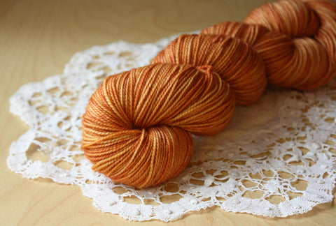 Chaussette / Fingering Weight / Copper Superwash Merino Wool Nylon Hand Dyed Yarn