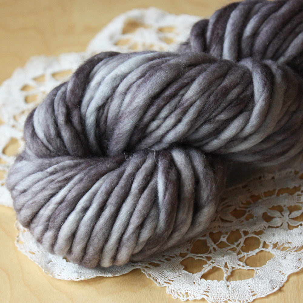 Coussin / Super Bulky Weight / Dire Wolf Merino Wool Hand Dyed Yarn