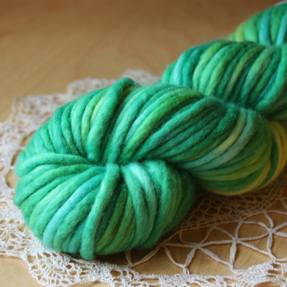 Coussin / Super Bulky Weight / Grass Merino Wool Hand Dyed Yarn