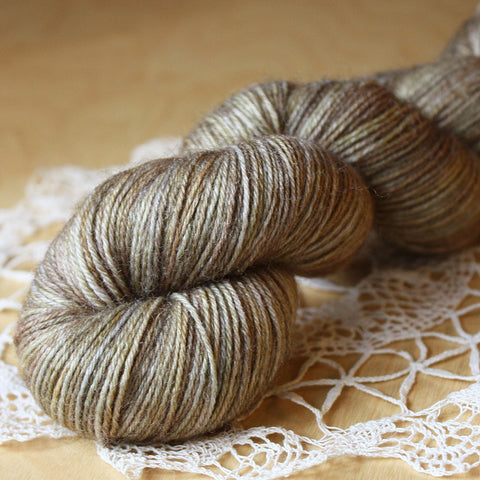 Linen / Hand Dyed Yarn