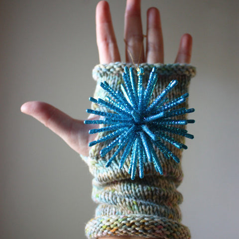 Longues Fingerless Mittens Knitting Pattern