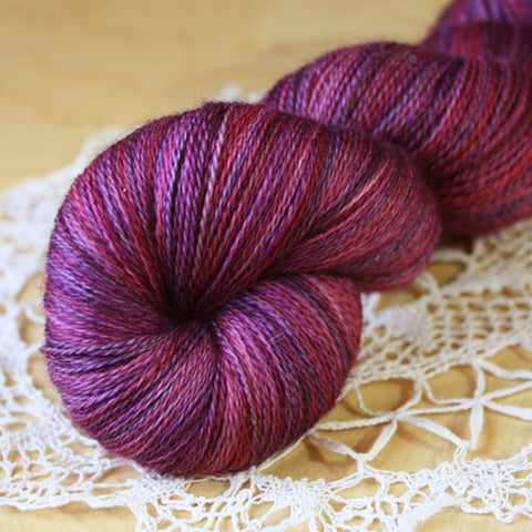 Beurre / Laceweight / Pomegranate Superwash Merino Wool