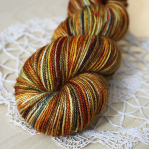 Chaussette / Fingering Weight / Pumpkin Spice Superwash Merino Wool Nylon Hand Dyed Yarn