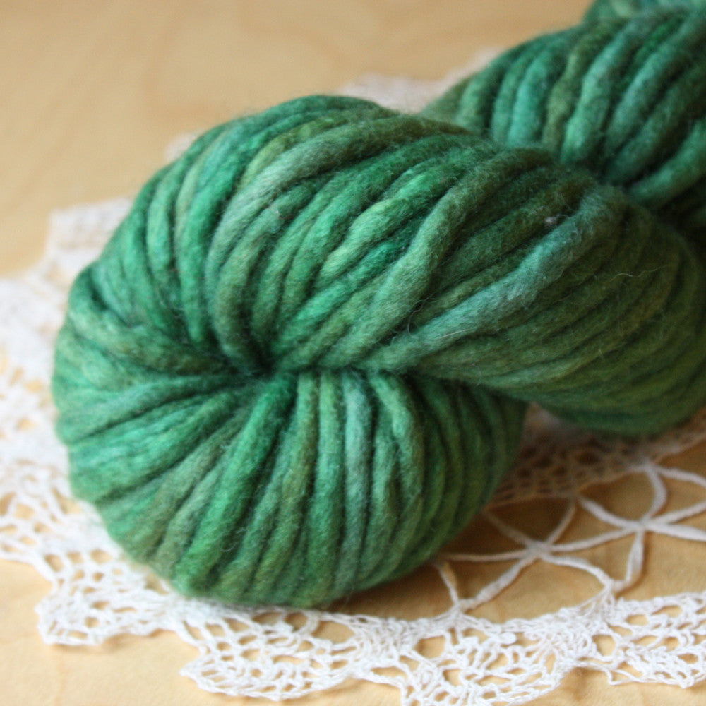 Coussin / Super Bulky Weight / Sherwood Merino Wool Hand Dyed Yarn