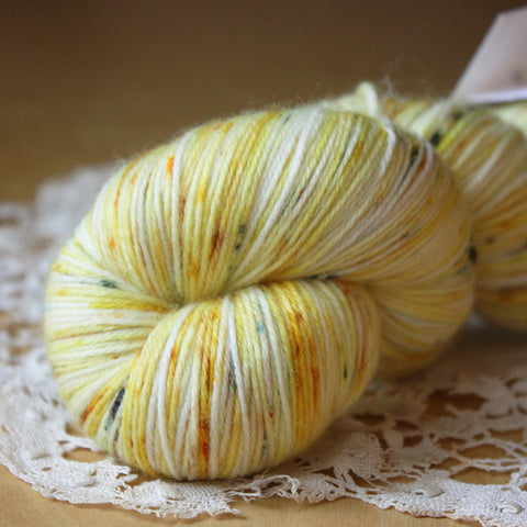 Alluree / Fingering Weight / Sol Merino Wool Cashmere Nylon Hand Dyed Yarn / Ready to Ship