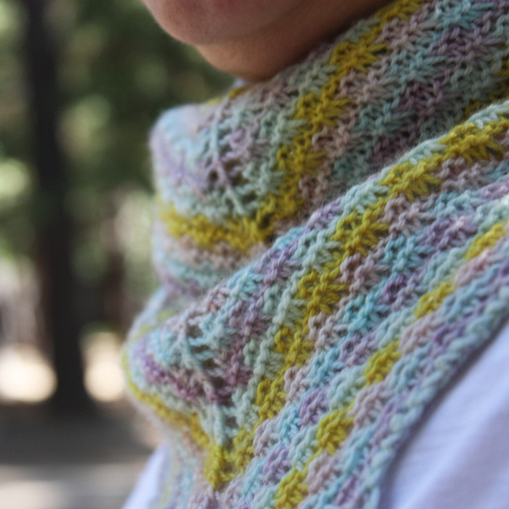 Strie Shawlette Knitting Pattern for Mini Skeins – Phydeaux Designs ...