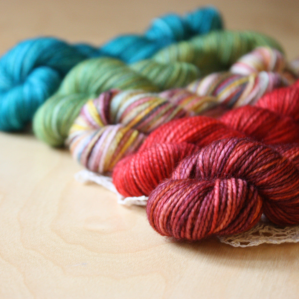 Mini Skeins / 400 Yards / Hand Dyed Tuscan Mini Skeins Chaussette Fingering Weight