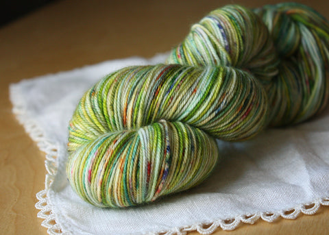 Alluree / Sock Weight / Verde Superwash Merino Cashmere Nylon Hand Dyed Yarn / Ready to Ship