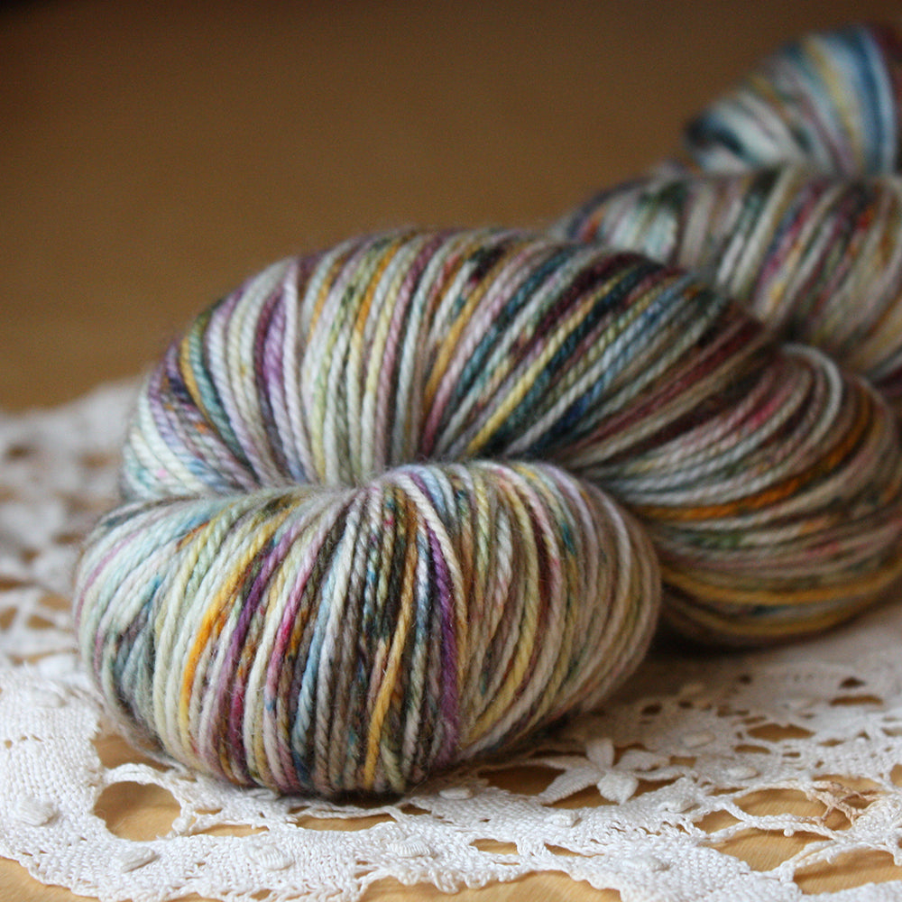 Caresse / Fingering Weight / Vignes Merino Wool Cashmere Nylon Hand Dyed Yarn / READY TO SHIP