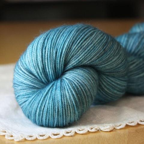 Alluree / Sock Weight / Woad Superwash Merino Cashmere Nylon Hand Dyed Yarn / Ready to Ship