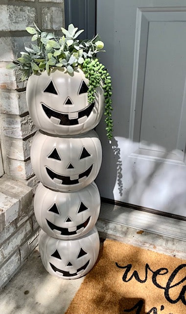DIY Pumpkin Tower