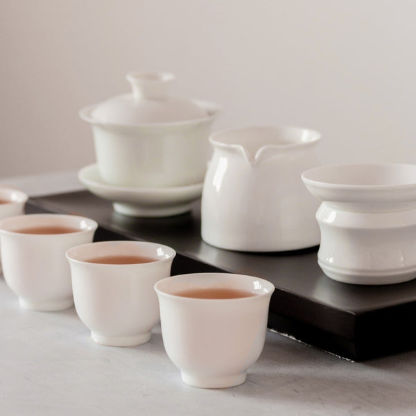 Porcelain gaiwan tea set for gongfu brewing