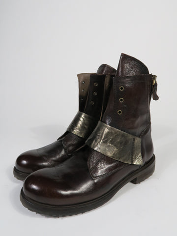 BA452 Boot With Gold Strap