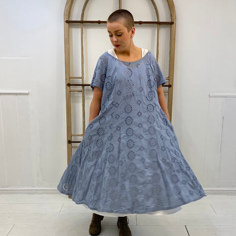 Anzuchtig Broderie Anglaise Dress - Blue