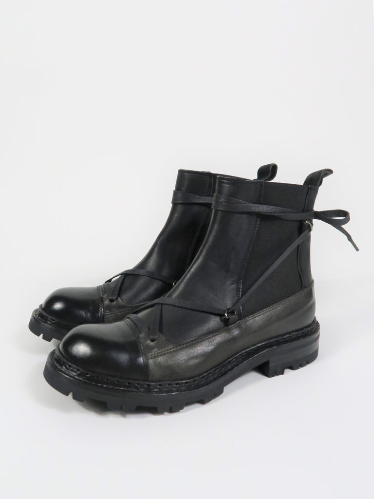 DLED08 Ties Ankle Boot in Black/Grey