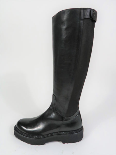 11066 Knee High Boot in Black
