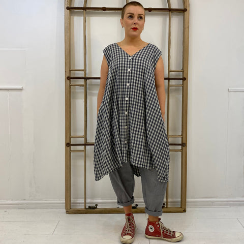 VEN I Gingham Button Through Sleeveless Tunic  - Grey