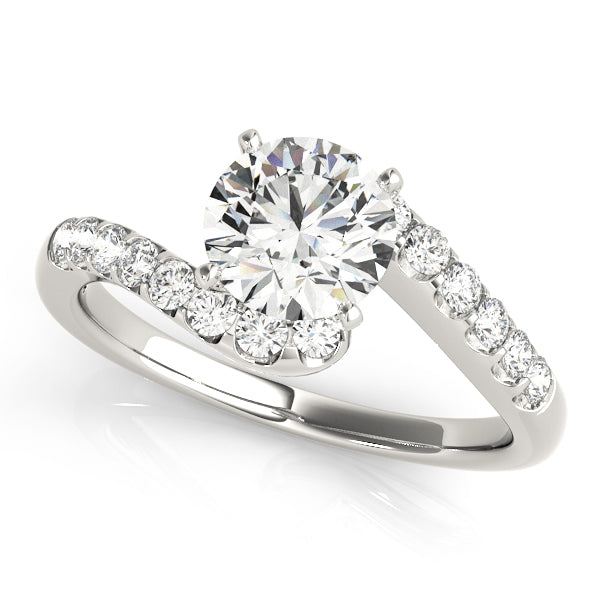 Round Cut Engagement Ring with Scallop Style Accents