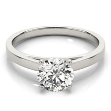 Load image into Gallery viewer, Classic Solitaire Engagement Ring