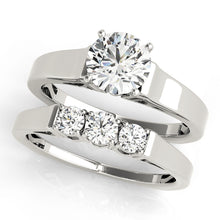 Load image into Gallery viewer, Classic Round Cut Solitaire With Euro Shank