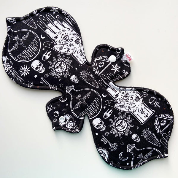 Cloth Pad - Mystic Hand