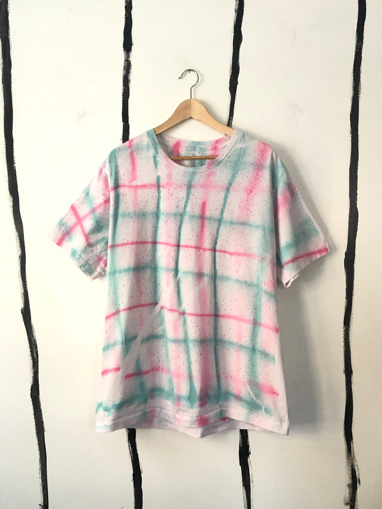 ** BRAND NEW - ALR RAD PLAID CLASSIC T-SHIRT - 1 LEFTT!!!!
