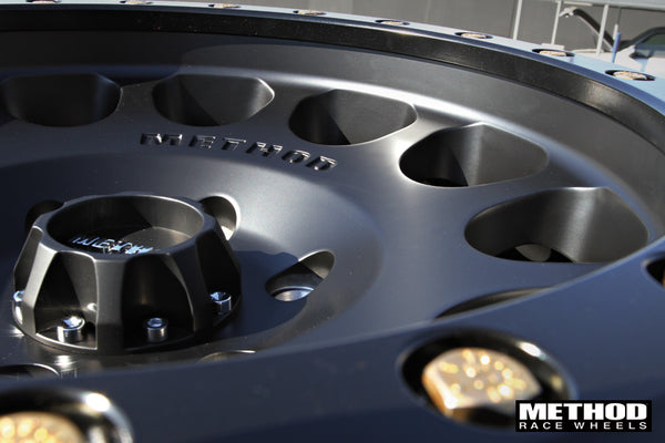 Matte Black MR105 Beadlock with center cap