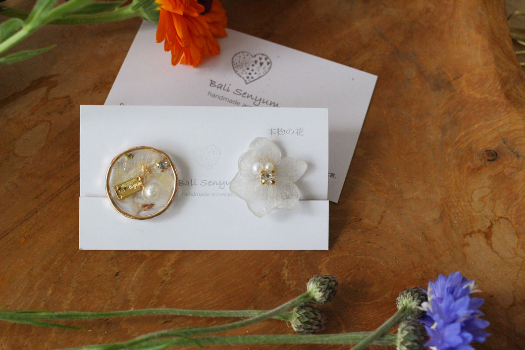 Hydrangea and Flower Medallion Gold Plated Clip-on (イヤリング)- No.45
