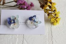 Hydrangea Bouquet Earrings [Kate]