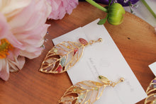 Leaf Earrings With Seasonal Flower Petals No.8