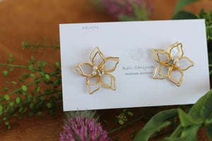 Two Layer Flower Earrings - White (Limited item)