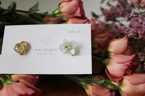 Hydrangea and Flower Medallion Clip-on (イヤリング)- No.90