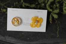 Yellow Hydrangea and Flower Medallion Titanium Pierce
