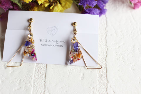 Triangular Floral Earrings With Seasonal Hydrangea