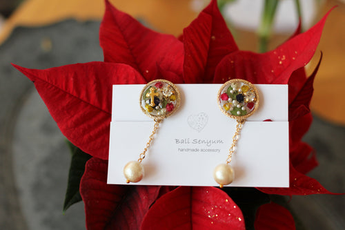 Christmas Medallion with Japanese Cotton Pearl