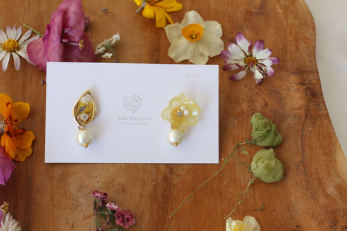Hydrangea and Flower Medallion Gold Plated Pierce (メッキピアス)- No.37