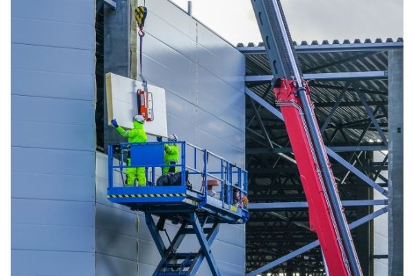 A scissor lifts using in the construction industry