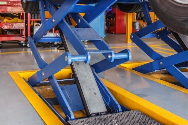 Scissor-lift mechanism