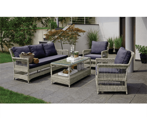 Outdoor Lounge - Eaglemont