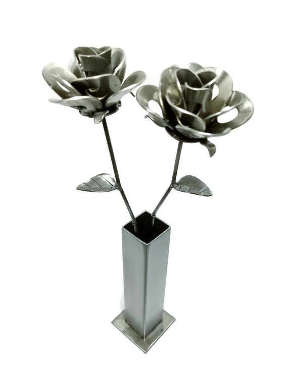 handmade,two,steel,roses,vase,recycled